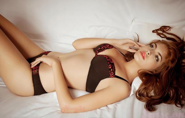 15-11loat-anh-hot-girl-andrea-mac-bikini-vo-cung-goi-cam15