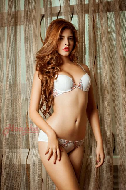 15-11loat-anh-hot-girl-andrea-mac-bikini-vo-cung-goi-cam8