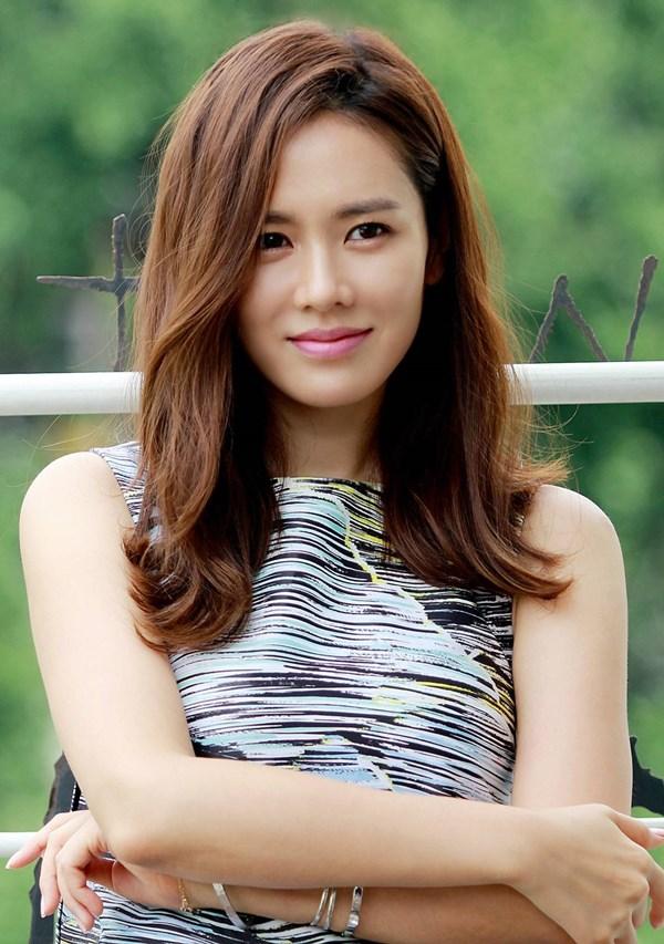 2sao-sao-han-thoat-kiep-vai-phu-nhanh-nhat-6